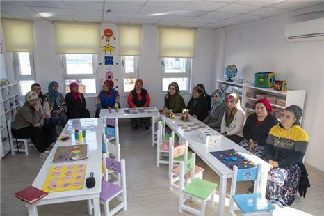 Mersin Büyükşehir Belediyesi Kadın Dayanışmasına Omuz Veriyor