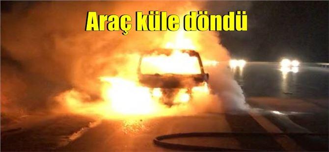 Tarsus TEM'de seyir halindeki araç yandı