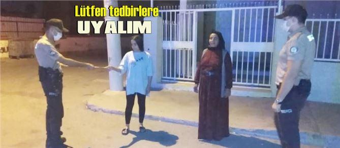 """Tarsus'ta Emniyet'ten vatandaşlara """"COVID-19 tedbirlerine uyalım"""" broşürü"""