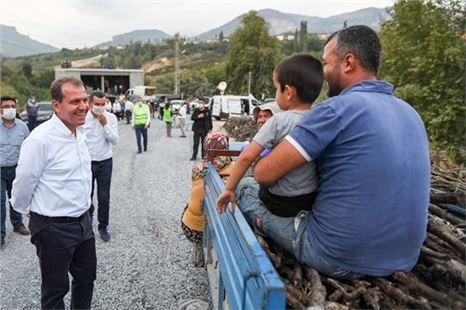 Başkan Vahap Seçer, Yenişehir'in kırsal mahallelerini ziyaret etti