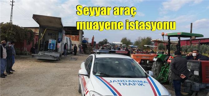 Tarsus'ta sosyal mesafeli araç muayenesi