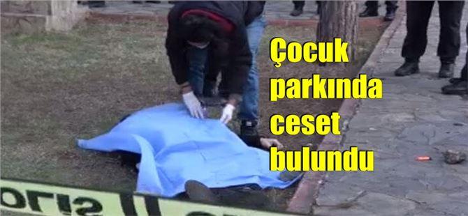 Çocuk parkında kafasından vurularak öldürüldü