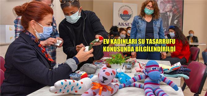 Kadınlar Çoraptan Oyuncaklar Yapıp, Üretime Katılıyor
