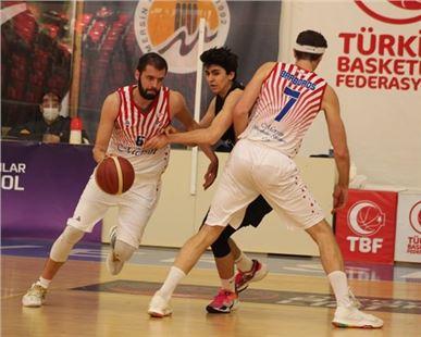 Büyükşehir GSK Erkek Basket Takımı Çeyrek Finalde