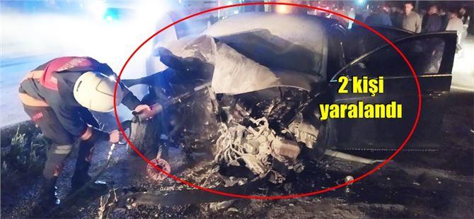 Tarsus'ta kaza yapan araç alev aldı
