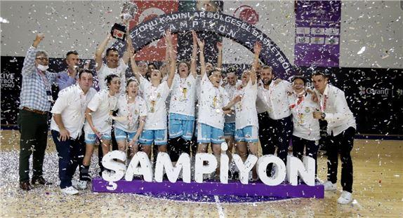 Tarsus Belediyespor Kadınlar Basketbol takımı şampiyon oldu