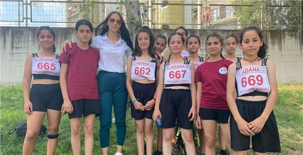Geleceğin kadın sporcuları başarıya koşuyor