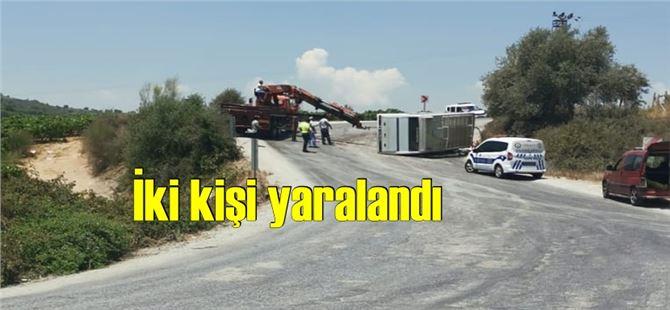 Tarsus'ta işçileri bırakan servis aracı devrildi
