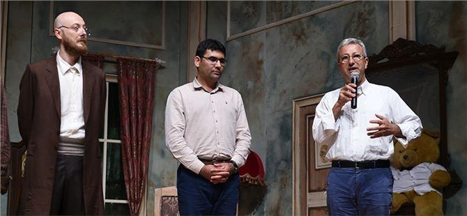 Tarsus Şehir Tiyatrosu'na Mersin'de Yoğun İlgi