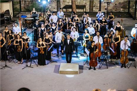 Türkiye Gençlik Filarmoni Orkestrası, Ayvalık Konseriyle Turnesini Tamamladı