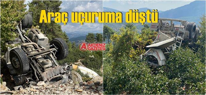 Çamlıyayla'da feci kaza, sürücü yaşamını yitirdi