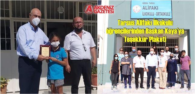 Tarsus Alifakı İlkokulu öğrencilerinden Başkan Kaya'ya Teşekkür Plaketi